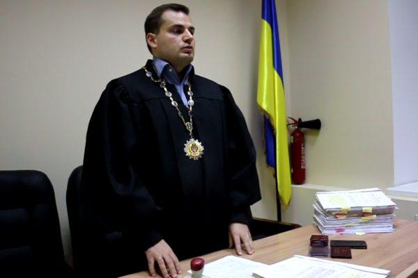 Суд Києва заблокував роботу АРМА щодо арештованого майна Клименка