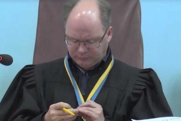 Суддю, який напідпитку насмерть збив людину, звільнено