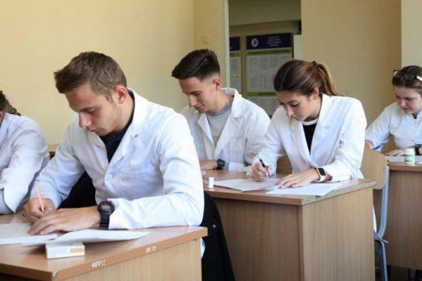 Керівництво Богомольця хоче позбавити першокурсників статусу студентів