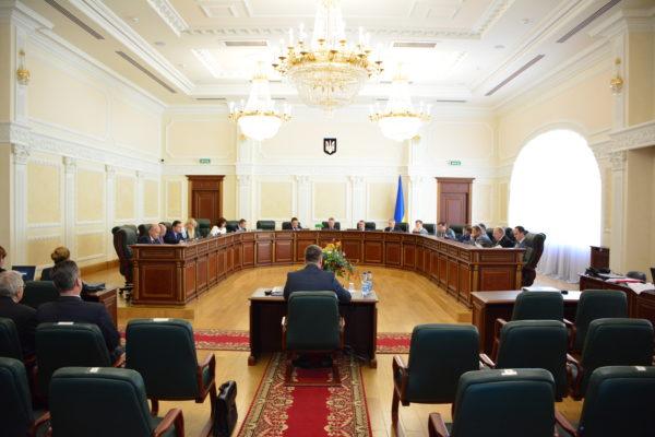 Хто з кандидатів до Антикорупційного суду розглядав справи проти Майдану