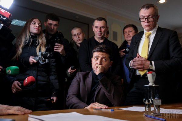 У Зеленського заявили, що він «не зобов'язаний» декларувати майно заснованої ним компанії