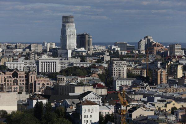 Спростування щодо новини «Люди з оточення Порошенка збираються незаконно забудувати центр Києва»