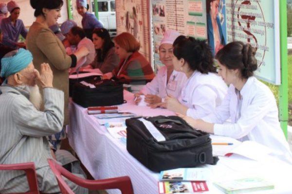 Жителі Таджикистану за рік витратили на хабарі лікарям 320 млн дол