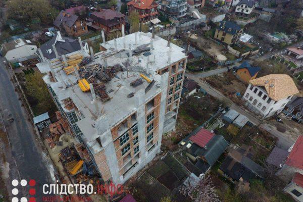 Зведений з порушеннями будинок на Батиєвій горі готують до введення в експлуатацію