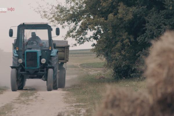 Правоохоронці вимагали гроші у фермерів за пошук викрадених тракторів