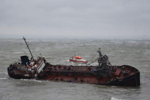 Танкер Delfi: Поліція вже розслідувала забруднення моря нафтою