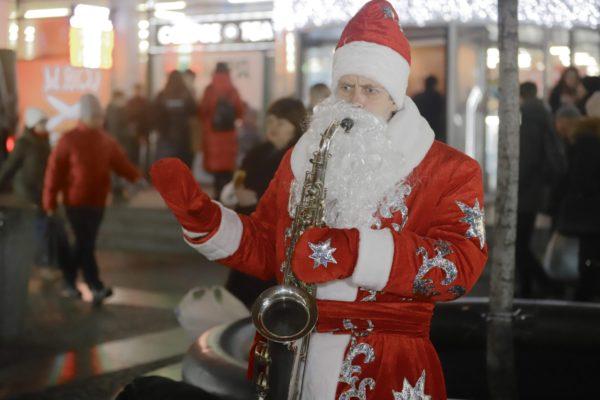 Найбільше на новорічні свята в Україні витратилися Дніпро, Київ та Харків