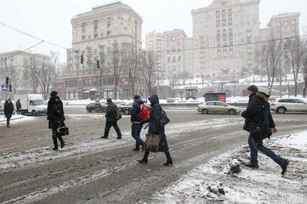 Мільйони на сніг: Хто і за скільки прибиратиме українські міста