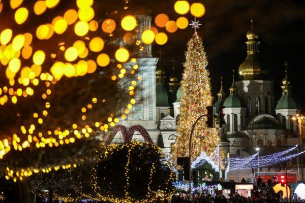 15 млн на свята у Дніпрі та 800 тис. на ремонт прикрас в Сумах: Скільки міста витратили на новорічні урочистості