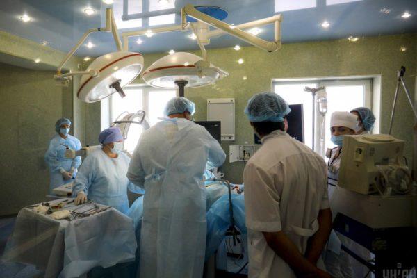 Підприємець, обвинувачений у фальсифікаті, поставив обладнання до 18 українських лікарень