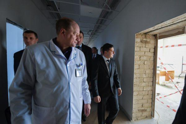 Лікарню, яку інспектував президент, будують фігуранти багатьох кримінальних проваджень