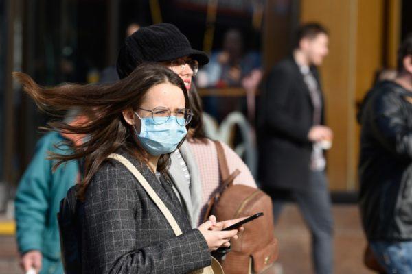 Апарати штучної вентиляції легень: скільки їх в Україні, хто їх закуповує і в кого