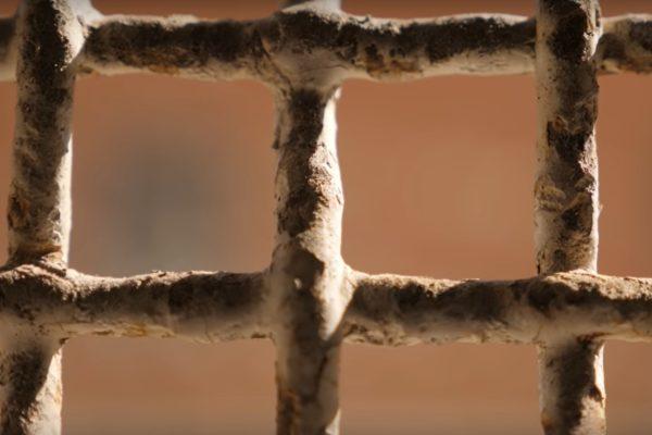 Убивство конвоїра довічно ув'язненим: підозрюваних серед співробітників СІЗО немає
