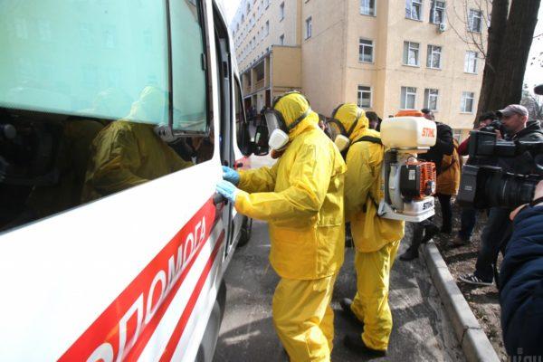 З 16 лікарень у Києві, які закупили тести на коронавірус, лише половина перевіряє людей
