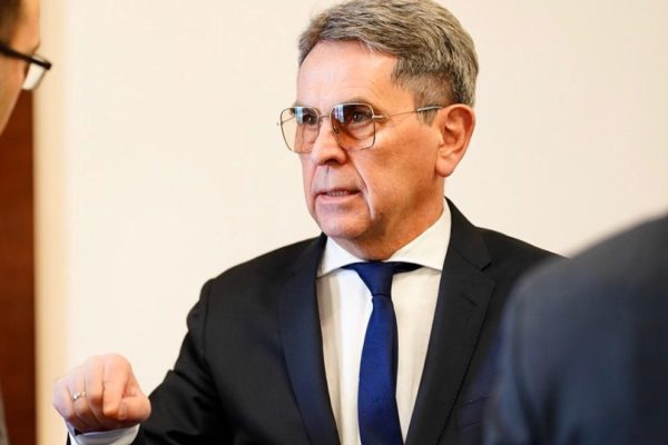 У родини міністра Ємця сумнівний бізнес та нерухомість на десятки мільйонів гривень
