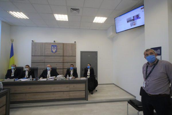 Українські суди масово заявляють про брак коштів на поштові марки