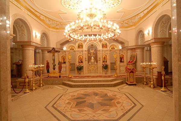 Настоятель храму в Дніпрі, який збирає пожертви в інтернеті, має будинок на 200 квадратів і землю