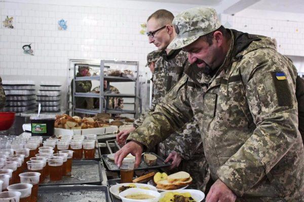 """""""Преміум"""" харчування для армії"""