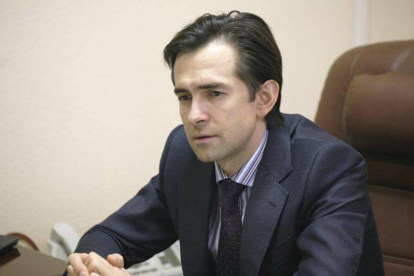У сина головного податківця України коштовна квартира на Печерську та новий Porsche