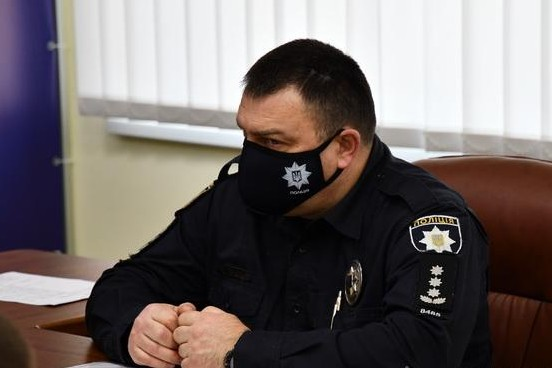 Нацпол купує у дружини свого співробітника маски й дезінфектори за завищеними цінами