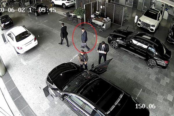 Київський прокурор перед затриманням на хабарі обирав Mercedes за майже 90 тисяч доларів