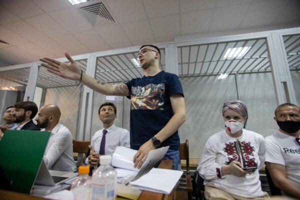 Заступник Єрмака Татаров вимагав для Стерненка підозри, яка передбачає довічне ув'язнення — документ