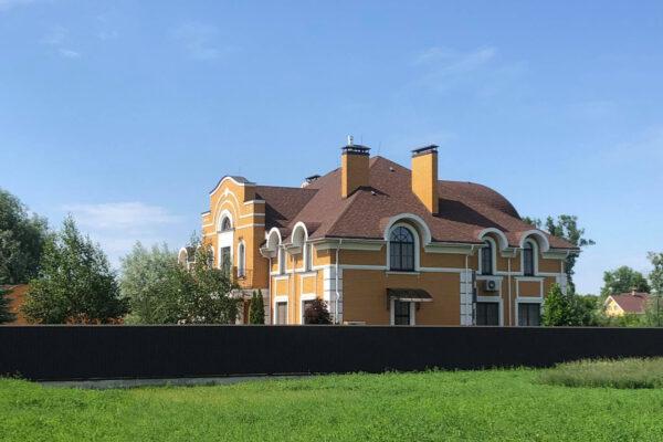 Кожен п'ятий єпископ РПЦ в Україні має житлової нерухомості на понад 300 квадратів — журналісти дослідили статки духовенства