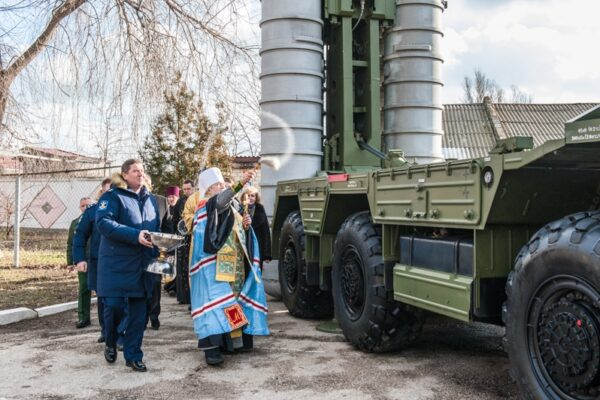 «Церква поза політикою»: як єпископи РПЦ в Україні співпрацюють з бойовиками Донбасу та окупаційною владою Криму