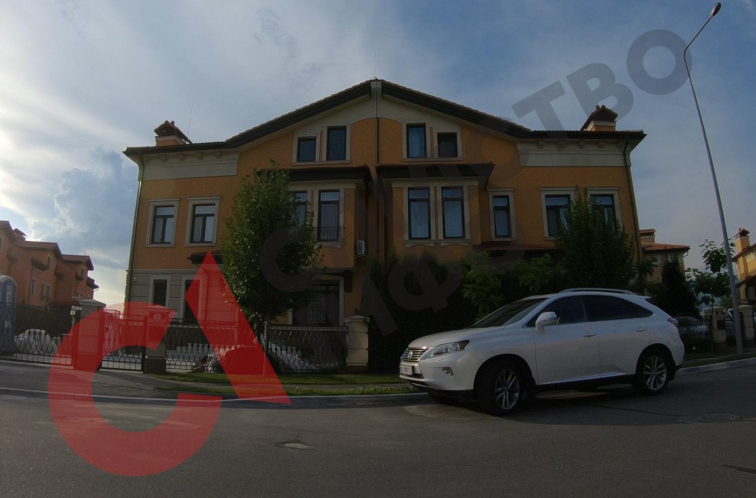 Головний кіберполіцейський приховав будинок у Києві за 7,5 мільйона гривень