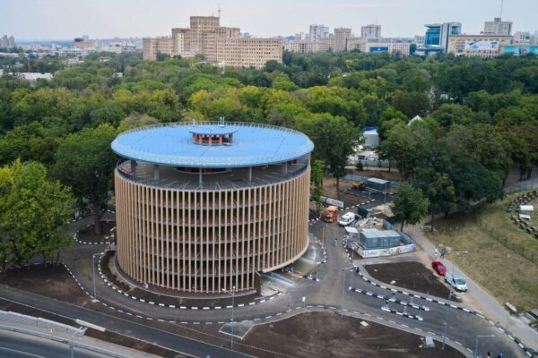 На будівництво «вже готового» паркінгу в Харкові виділили ще 19 млн грн