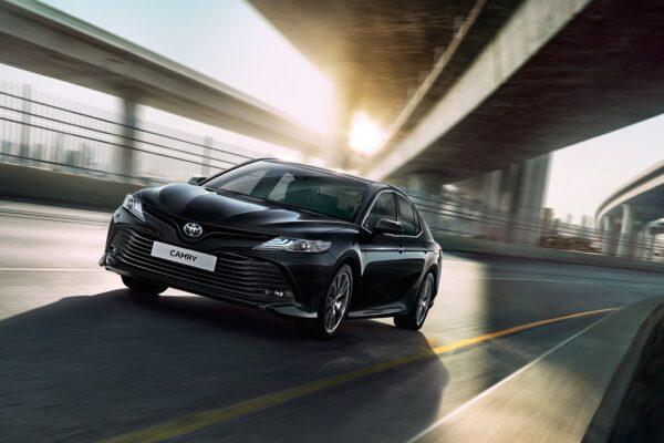Верховна Рада планує купити 14 Toyota Camry по 900 тисяч гривень