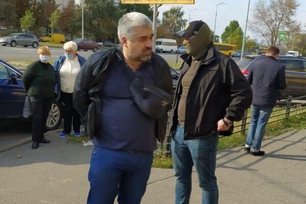 Київського поліцейського Білика спіймали на хабарі – він фігурував у розслідуванні «Слідства.Інфо»