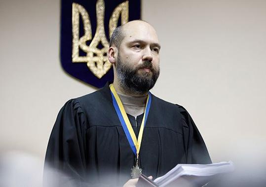 Скандальний суддя Вовк вирішив передати справу щодо заступника голови Офісу президента Татарова з НАБУ до Держбюро розслідувань